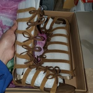Joyfolie Farrah Sable Gladiator Sandals New sz 13